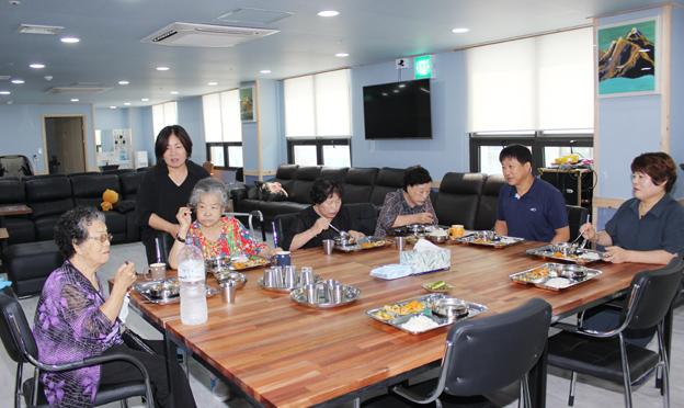 식품영양학 박사가 관리·운영하는 '금촌하연주간보호센터' 개원