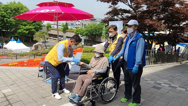파주시자원봉사센터, 코로나19 백신접종 지원에 최선