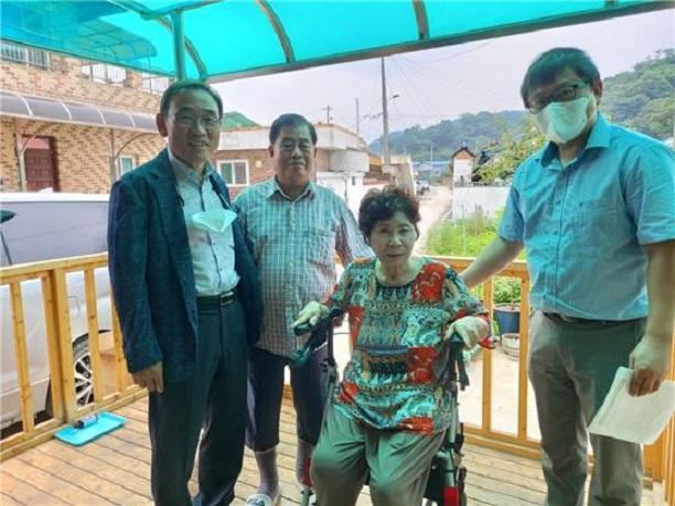광탄농협, 고령 농업인에 실버물품 지원